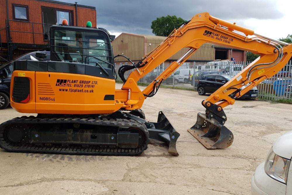 Hanix N085uj 8-ton Excavator