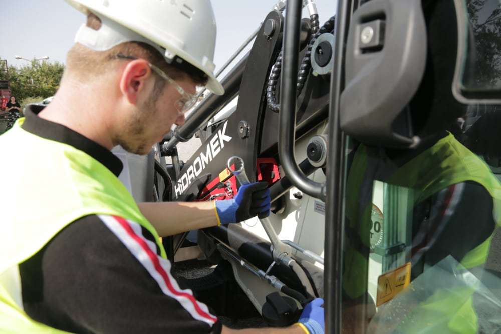 service repair Wacker Neuson Hidromek